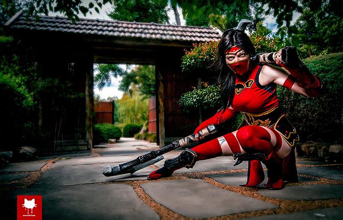 Crimson Akali from League of LegendsCosplay
