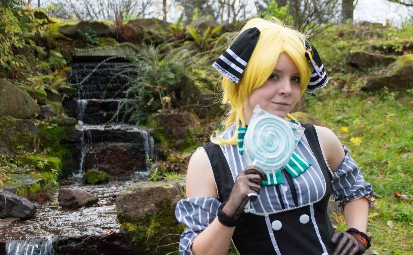 Love Live Cosplay – Ayase Eli at the Lake