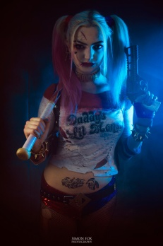harley-quinn-ss-cosplay-01