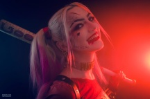 harley-quinn-ss-cosplay-09